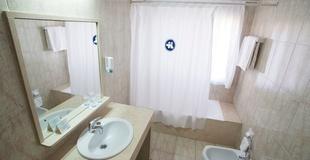 SINGLE ROOM Torreluz Centro Hotel