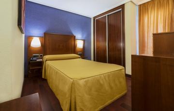 Room Torreluz Centro Hotel